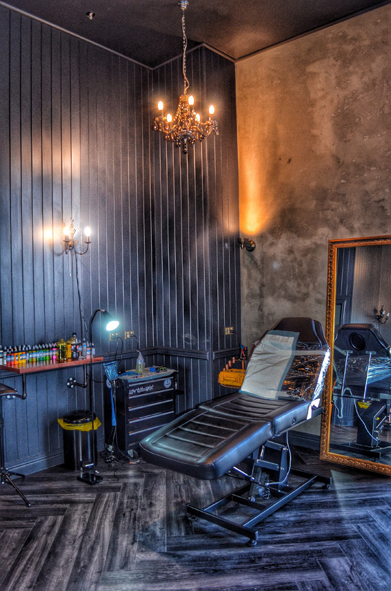 Tattoo studio interior designer