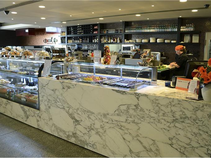 Chocolatto   Biggera Waters   Retail shop interior design