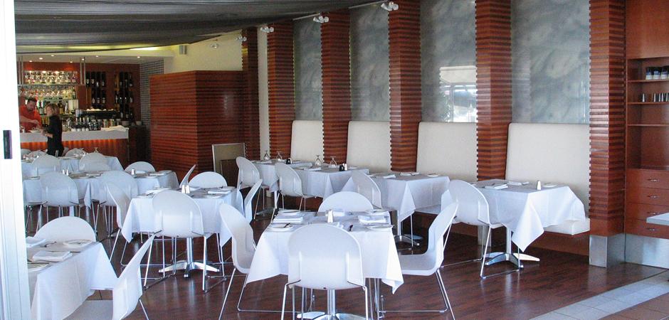 Harley's Seafood | Marina Shopping Centre | Hope Island | Cuschieri Design | Retail shop interior designers